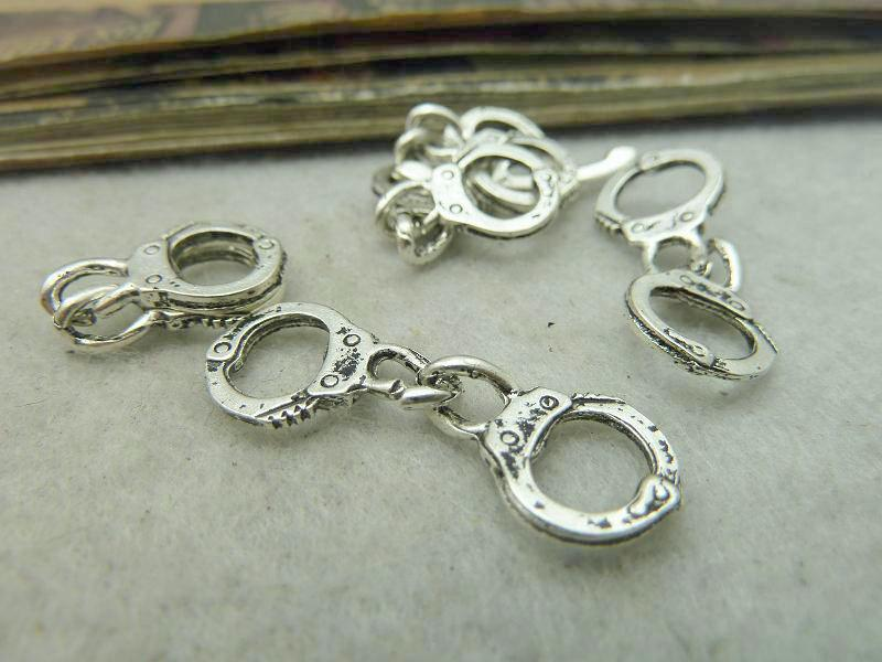 Antique Silver Alloy Pendants - Handcuffs - 11mmx30mm - 20 PCS (JP291)